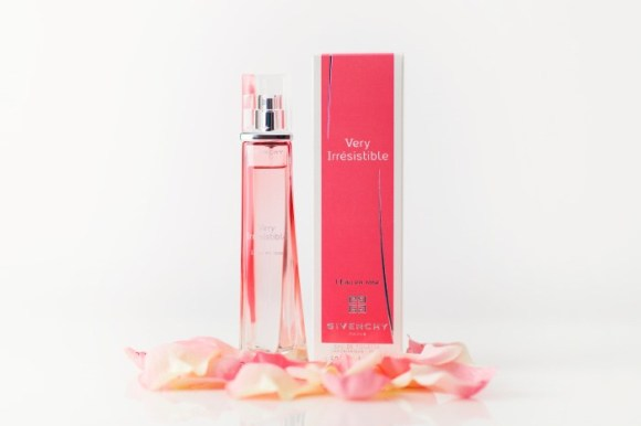 givenchy-very-irresistible-leau-en-rose-01