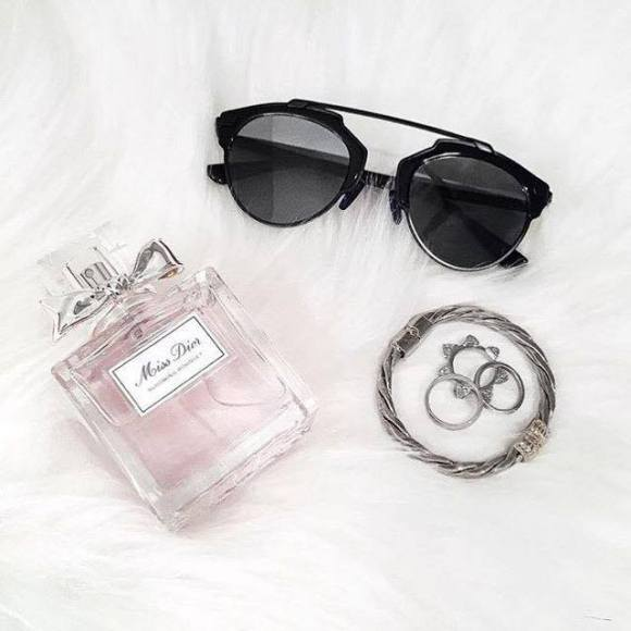Miss Dior- click to browse!
