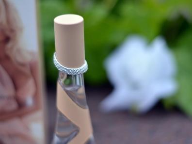 rihanna_nude_perfume_eau_du_parfum_celebrity_fragrance_purepr_pure_pr_top_cap_cover